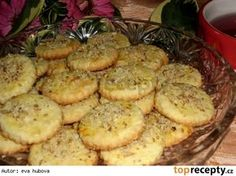 Švýcarské kokosové sušenky Baking Recipes, Cake Recipes, Czech Recipes, Sweet Pastries, Biscuit Cookies, Holiday Cookies, Desert Recipes, Christmas Baking, Valspar