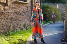 As Milan Fashion Week winds down, we take a look at what the stylish set photographer Acielle Tanbetova saw between shows. Street Style, Street Look, Street Chic, Caroline Issa, Street Snap, Ootd, Stylish Girl, Wearable Art, Style Icons