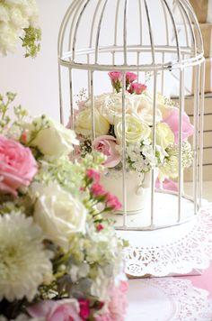 Flores on pinterest bodas mesas and wedding flowers - Lamparas estilo shabby chic ...