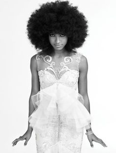 Esperanza looks so elegant with her Fro.   #celebFros #naturalcurlcelebs.