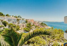 Apartamentos Mallorca - Inmobiliaria Nova - Ref. 86937  Soleado apartamento con vistas al mar en Illetes, Calvià, Mallorca. Apartamento ámplio y con vistas al mar, disfruta de zona ajardinada, solarium y piscina comunitaria.   http://www.inmonova.com/es/property/id/657858-apartamentos-mallorca