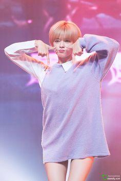 TWICE - Yoo JungYeon 유장연. 'TT' era #정연 #트와이스 #단발머리 #티티