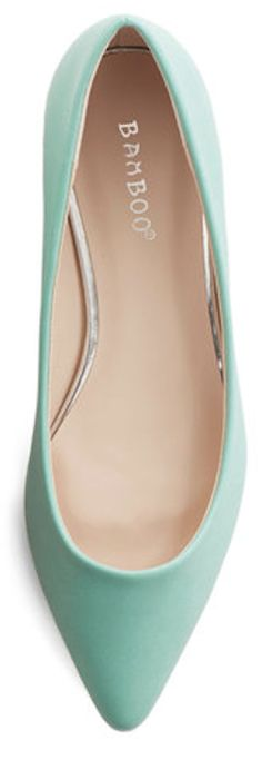 pointy toe #mint flats http://rstyle.me/n/g84ecr9te