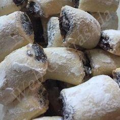 Tejfölös mézes Cake Cookies, Fondant, Biscuits, Stuffed Mushrooms, Vegetables, Food, Easter, Cakes, Christmas