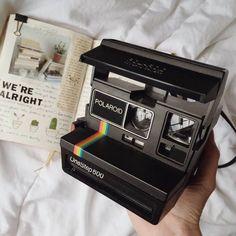 polaroid, camera, and vintage image Aesthetic Vintage, Aesthetic Photo, Aesthetic Pictures, Aesthetic Black, Dandere Anime, Instant Camera, Photography Camera, Edgy Photography, Photography Accessories