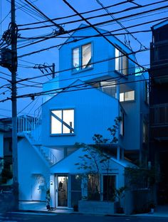 Tokyo_Apartment_Sou_Fujimoto_Architects Architects Sou Fujimoto have designed this building in the center of Tokyo that looks like traditional house with sloping roofs, superimposed one above the other. Architecture Du Japon, Architecture Design, Gothic Architecture, Classical Architecture, Landscape Architecture, Design Architect, Fujimoto Sou, Tokyo Apartment, Architectural Photographers