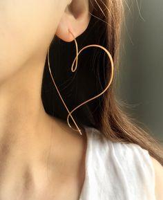 Small Earrings, Cute Earrings, Heart Earrings, Etsy Earrings, Hoop Earrings, Simple Jewelry, Cute Jewelry, Accesorios Casual, Gold Earrings Designs