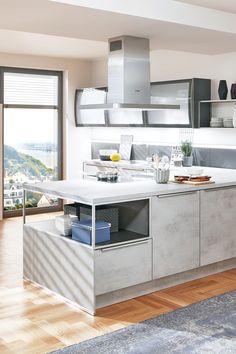 Die moderne Küche zeichnet sich vor allem durch ihre Geradlinigkeit aus. Durch die großen grifflosen Fronten, wirkt die Küche immer ordentlich und aufgeräumt. Durch die große Auswahl an unterschiedlichen Küchenfronten (hochglanz, matt, Betonoptik) und der Vielzahl an Farbmöglichkeiten, können moderne Küchen ganz nach Ihrem individuellen Geschmack geplant werden. Kitchen Size, Kitchen And Bath, New Kitchen, Paint Cabinets White, Painting Cabinets, Kitchen Eating Areas, Outdoor Kitchen Cabinets, Make Ahead Meals, Food Preparation