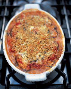 Parmigiana di melanzane Für diesen leckeren Auberginenauflauf mit Tomatensoße, viel Parmesan und Basilikum benötigt man ca. zwei Stunde...