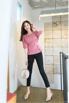 Korean Fashion Style 2019 Trends - Korean Fashion by Attrangs Korean Casual Outfits, Korean Outfit Street Styles, Classy Work Outfits, Korean Street Fashion, Pretty Outfits, Stylish Outfits, Korean Blouse, Korean Fashion Dress, Ulzzang Fashion