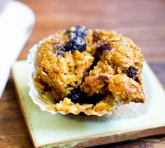 Pumpkin Chai Oatmeal Blueberry Muffins - Healthy. Happy. Life.