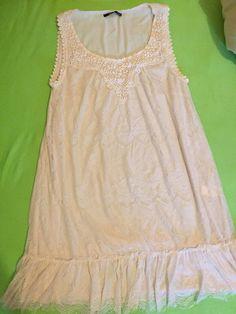 5206ed6fb8843 Robe en dentelle crème et broderie avec perles sur le col. Estelle · Vinted