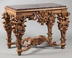 Table de milieu en bois doré, France, époque Louis XIV, vers 1690-1700.