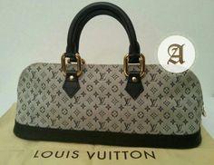 Preowned LOUIS VUITTON Handbag 📌1700AED📌  Very good condition.  Contact : +971557553950 Whatsapp  #louisvuitton #preownedbags #authentic #original #brandnew #dubai #uae #lv #usedbags #lvbag #louisvuittonbags #prelovedbags #luxurybags #luxuryitems #brandedbags #authenticbags #designerbags #totebags  #crossbodybags #shoulderbags #vintage #louisvuittonvintage #lvreporter #lvcrossbody Louis Vuitton Handbags, Louis Vuitton Speedy Bag, Crossbody Bag, Tote Bag, Dubai Uae, Branded Bags, Vintage Louis Vuitton, Luxury Bags, Authentic Louis Vuitton