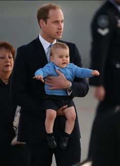 Don't I look snazzy in my blue cardigan? | The Official Ranking Of Prince George's Best Facial Expressions