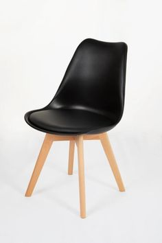 PP seat Beech wood legs x x cm No assembly required