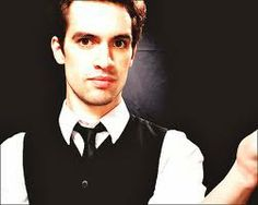 cantante de panic at the disco - Google Search