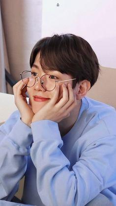 a feeling of boundless tenderness and love for exo ❍ editor ▹ more requests: open ☁ Park Chanyeol, Sehun, Kpop Exo, Baekhyun Wallpaper, Exo Album, Exo Lockscreen, Kim Minseok, Exo Members, K Idol