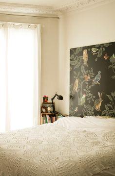 More interior inspiration on www.ringthebelle.com home / interieur / inspiration / paris / bedroom / papier peint / lit / decoration / #ringthebelle / #storystore