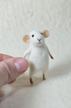 Tiny mouse - Needle Felted Ornament - Felting Dreams by Johana Molina - READY TO SHIP