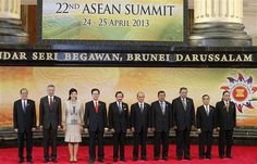 Reuters/Reuters - Leaders of the Association of Southeast Asian Nations (ASEAN) pose for a group photo during the 22nd ASEAN Summit in Bandar Seri Begawan April 25, 2013. REUTERS/Bazuki Muhammad