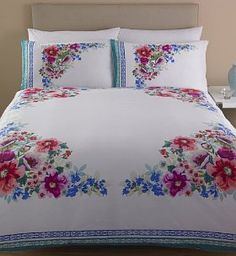 Discover thousands of images about floral bedding Luxury Bed Sheets, Luxury Bedding, Double Duvet Covers, Bed Covers, Linen Bedroom, Bedroom Decor, Bed Sheet Painting Design, Floral Bedspread, Embroidered Bedding