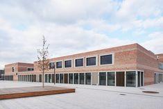 "Gallery of School and Community Center ""B³ Gadamerplatz"" / Datscha Architekten - 9"