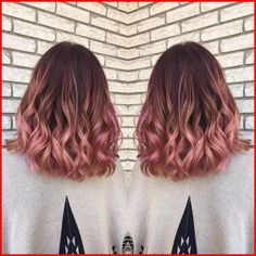 Rose Gold Ombre Hair Color Ideas Rose Gold Ombre Hair Color Ideas, Somewhere between full-on pink, strawberry blonde, and the redhead is our new favorite color: rose gold hair. Whoever figured out that shimmery gold a…, Hair Colour Style Gold Hair Colors, Hair Color Pink, New Hair Colors, Cool Hair Color, Color Red, Trendy Hair Colors, Ombre Colour, Color Streaks, Colorful Hair