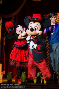 2014 - Mickey and Minnie Mouse at The Diamond Horseshoe