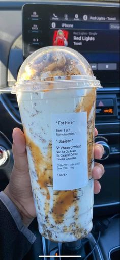 Cold Starbucks Drinks, Healthy Starbucks, Iced Coffee Protein Shake Recipe, Coffee Drink Recipes, Coffee Drinks, Starbucks Secret Menu Drinks, How To Order Starbucks, Smoothie Drinks, Smoothies