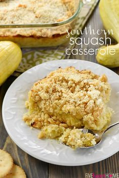 Southern Squash Casserole ~ this cheesy, comforting side dish recipe is loaded with tender sauteed yellow squash, cheddar, Parmesan, and sour… Sauteed Yellow Squash, Yellow Squash Recipes, Summer Squash Recipes, Summer Recipes, Fall Recipes, Holiday Recipes, Marinated Tomato Salad Recipe, Marinated Tomatoes, Southern Squash Casserole