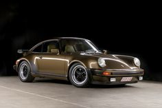 Porsche 911 3.3 Turbo   | Drive a Porsche @ http://www.globalracingschools.com