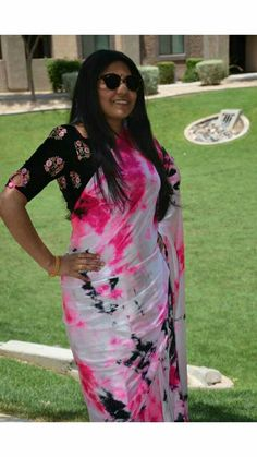 Kurta Designs, Saree Blouse Designs, Saree Styles, Blouse Styles, Sari Dress, Sari Blouse, Shibori Sarees, Casual Saree, Fancy Sarees