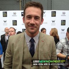 Barry Sloane from Revenge looks quite dapper in his suit. #NNNAwards