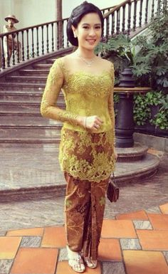 Model Kebaya Modern Simple Dian Sastro