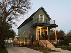 Shotgun House - Houses for Rent in Waco - AirBnB