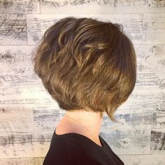 textured graduated bob hairstyle for short hair
