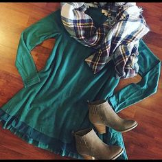 Last one Gorgeous ~ Green with Envy Tunic Dress Fall perfectionHunter Green Tunic Dress . Semi lined /Dual faux sheer hem underlay. Size: Small & Large. PLEASE DO NOT PURCHASE THIS LISTING but comment on size & I'll create separate listing. Brand new no tags. Price FIRM UNLESS BUNDLED. ❌NO PP AND NO TRADES❌ Cloud 9 Dresses