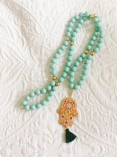 DIY - Hippie Kette mit Fatimas Hand | The Nina Edition Hamsa, Ringe Gold, Tassel Necklace, Tassels, Berlin, Jewelry, Fashion, Turquoise Beads, Necklaces
