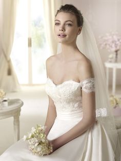 Brautkleid aus der White One Brautmoden Kollektion 2015 :: bridal dress from the 2015 WhiteOne collection