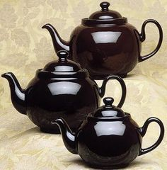 Original Brown Betty teapot with non-drip spout. The teapot dates back to 1695 when it was first produced in Stoke-on-Trent, Staffordshire, England.