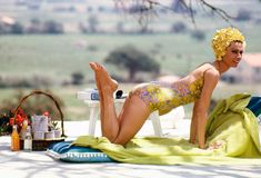 Actress Audrey Hepburn relaxing by a pool during the filming of Stanley Donen's 1967 comedy 'Two for the Road' in St Tropez. Hollywood Fashion, Hollywood Actresses, Classic Hollywood, Old Hollywood, Sabrina 1954, Stanley Donen, Audrey Hepburn Photos, Terry O Neill, William Klein