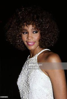 News Photo : Whitney Houston in New York City 1988 Whitney Houston, Beverly Hills, Aretha Franklin, Halle Berry, Mariah Carey, Female Singers, Celebs, Celebrities, American Singers