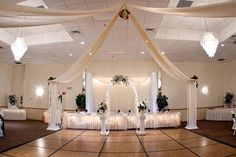 Awww!! I like the ceiling drapes!!!