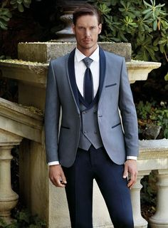 Learn to live in Style. Mens Fashion Week, Lakme Fashion Week, Mens Fashion Suits, Mens Suits, Fashion Outfits, Blue Suit Wedding, Wedding Dress Men, Wedding Suits, Mens Designer Shirts