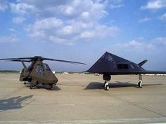 Comanche and Stealth fighter. Comanche Helicopter, Military Helicopter, Military Jets, Military Aircraft, Ah 64 Apache, Jet Fighter Pilot, Fighter Jets, Military Pictures, Royal Air Force
