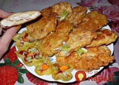 Chicken steak in potato batter / Culinary Universe Chicken Steak, Tandoori Chicken, Healthy Diet Recipes, Cooking Recipes, Czech Recipes, Ethnic Recipes, Chicken Cutlets, Home Food, Food Design
