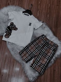 Kid Outfits, Cute Outfits For Kids, Baby Boy Outfits, Cute Kids, Ropa Louis Vuitton, Fashion Kids, Fashion Outfits, Luxury Baby Clothes, Cute Mixed Babies