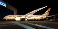 Etihad Airways Boeing 787-9 Dreamliner A6-BLA, during it's delivery ceremony at Everett-Paine Field, December 2014. (Photo: Etihad / Boeing)