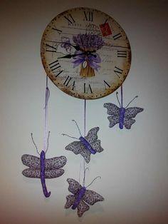 Mariposas y libelulas Clock, Wall, Home Decor, Scrappy Quilts, Butterflies, Watch, Decoration Home, Room Decor, Clocks
